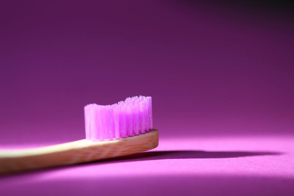 Purple toothbrush - Galliano teeth cleaning